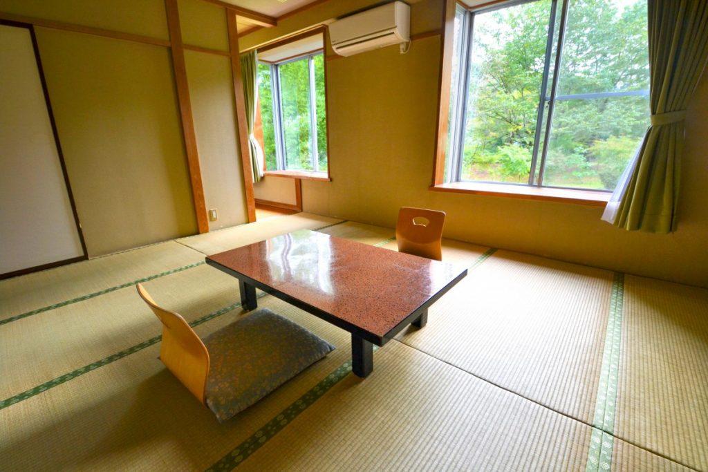 休暇村グループの公共の宿 国民宿舎両神荘 本館和室