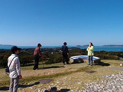 休暇村グループの公共の宿 波戸岬 名護屋城跡から壱岐・対馬を眺める