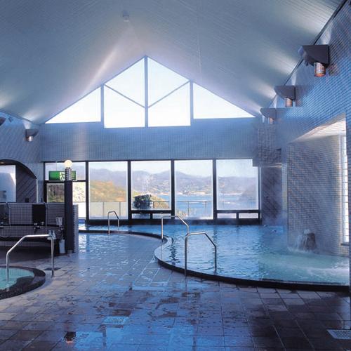 休暇村グループの公共の宿 グリーンピアせとうち 大浴場