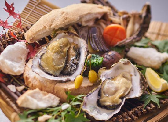 休暇村グループの公共の宿 グリーンピアせとうち 牡蠣の塩釜焼き