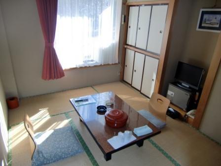 休暇村グループの公共の宿 国民宿舎両神荘 和室6畳